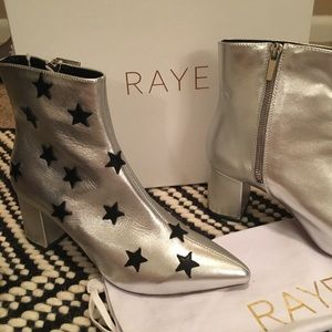 NWB RAYE Silver Metallic Ankle Boot 8
